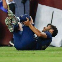Marco Asensio, tras sufrir la grave lesión en la rodilla izquierda ante el Arsenal.