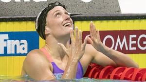 Mireia Belmonte celebra una victoria.