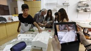 Estudiantes del colegio Sadako de Barcelona, uno de los integrantes de la red de escuelas innovadoras.