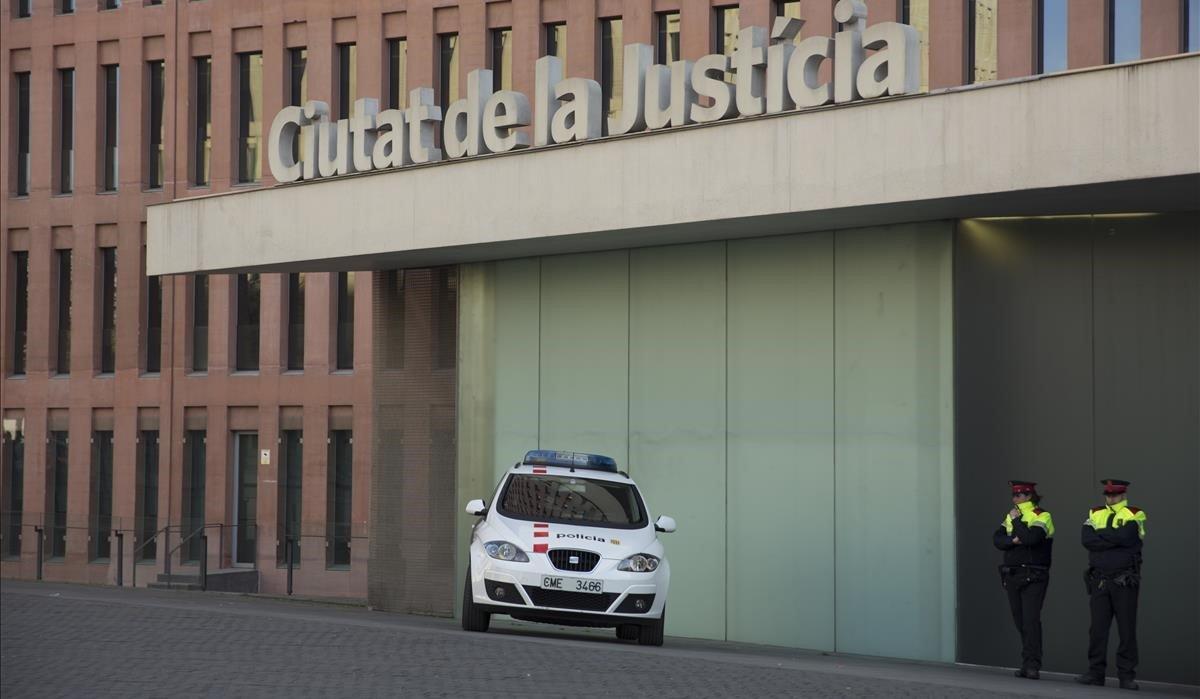 El TSJC rebaja la vigilancia de los Mossos en sedes judiciales iniciada por las protestas de los CDR