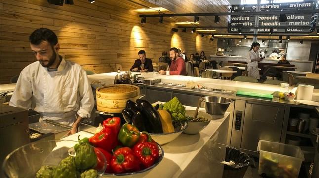 El restaurante Ninot Cuina, una de las recientes aperturas en la ciudad, en el Eixample izquierdo.