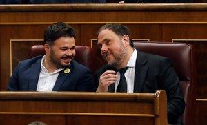 Oriol Junqueras y Gabriel Rufián, antes del inicio de la sesión constitutiva de las Cortes Generales.