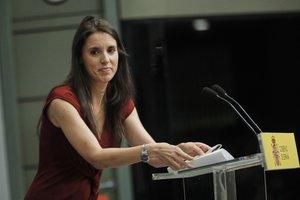 La ministra de Igualdad, Irene Montero, durante su intervención en la presentación del Acuerdo para el Desarrollo de la Igualdad Efectiva entre Hombres y Mujeres en el Trabajo, en la Sede del Ministerio de Trabajo y Economía Social, en Madrid (España) a 30 de julio de 2020.