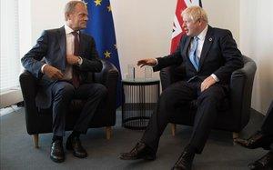 El presidente del Consejo Europeo, Donald Tusk, y el primer ministro británico, Boris Johnson, en un encuentro en las Naciones Unidas el pasado septiembre.