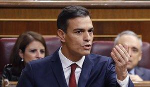 El presidente del Gobierno, Pedro Sánchez, en una sesión de control en el Congreso.