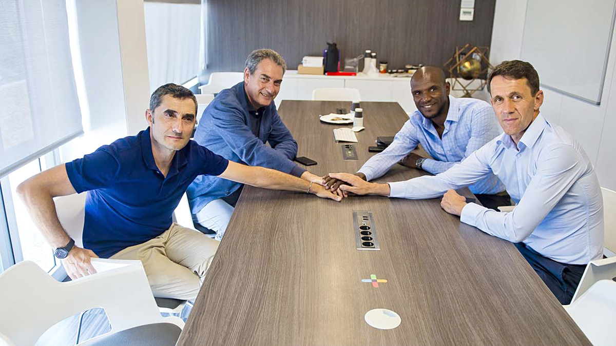 Primera reunión entre Valverde y los responsables de la planificación deportiva del primer equipo, Abidal, Segura y Planes.