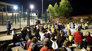 Protesta ante la prisión de Lledoners, en el Bages, este domingo.