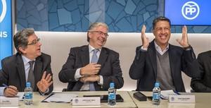 Enric Millo, Jordi Cornet y Xavier García Albiol, en la junta directiva del PP catalán.