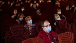 Espectadores protegidos con mascarillas en una sesión del BCN Film Fest, a finales de junio.