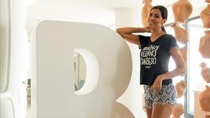 Sofía del Prado, ex-Miss Universo España, en el Beso Beach del hotel ME Sitges Terramar.
