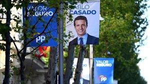 Carteles electorales del PP para las generales del 28-A en Madrid.