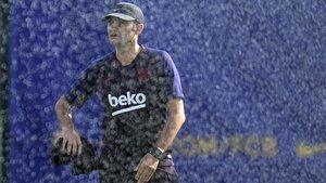 Valverde, en un entrenamiento en la ciudad deportiva del Barça.
