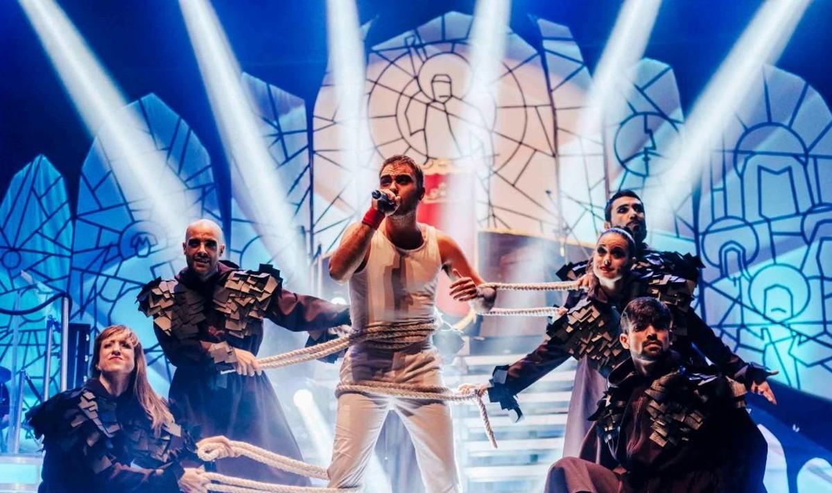 Manuel Bartolí en una imagen del espectáculo We love Queen.