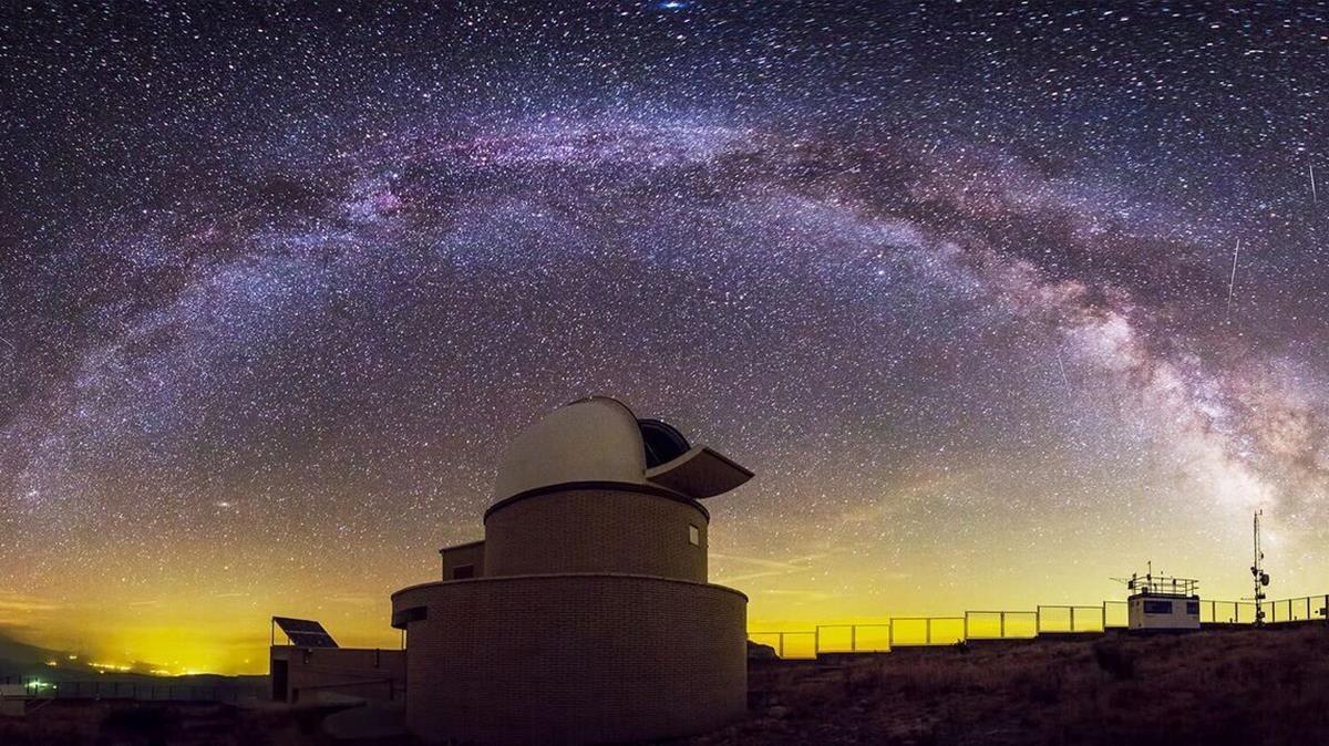Espectacular imagen del parque astronómico del Montsec.