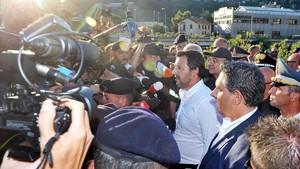 Matteo Salvini visita el lugar de la catástrofe.
