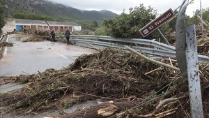 Aspecto de un puente sobre el Francolí en Vilaverd.