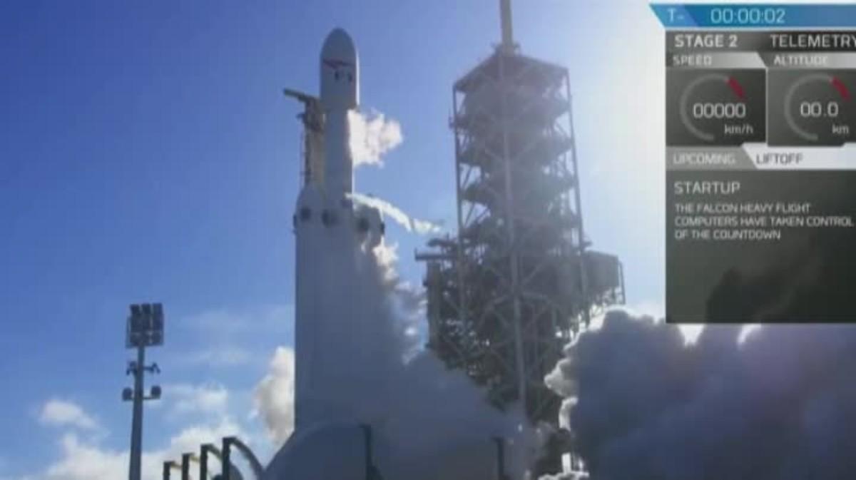 Èxit espacial: senlaira amb èxit el coet més potent del món