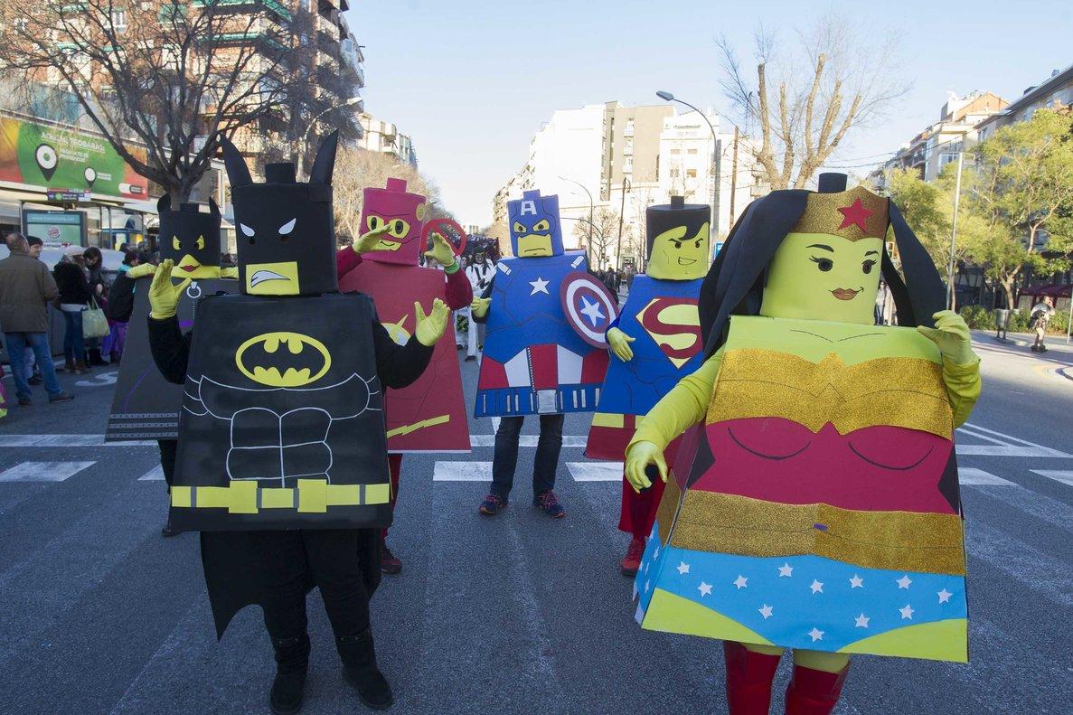 El Carnaval llenará de disfraces los barrios en los próximos días.