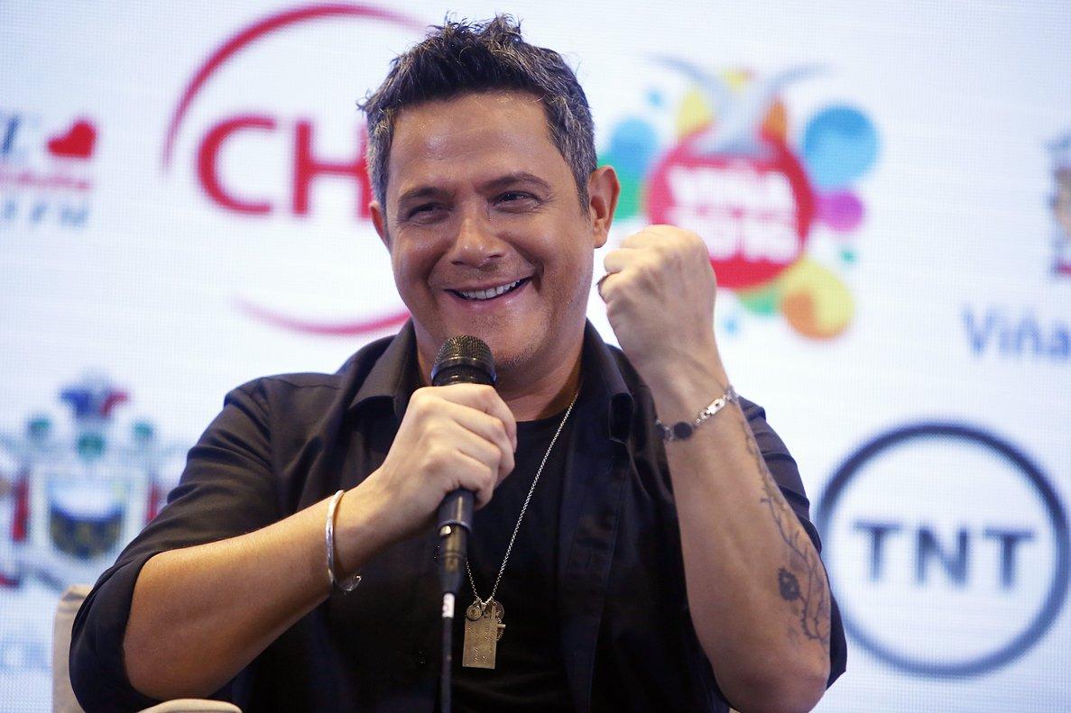 ¡Con el corazón alegre!. Así se siente Alejandro Sanz al conocer que tendrá su estrella en el Paseo de la Fama de Hollywood.