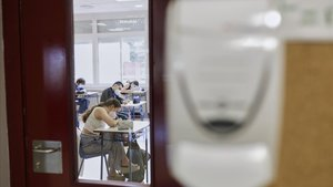 Alumnos de 2º de Bachillerato de un colegio de Madrid, el pasado 8 de junio.