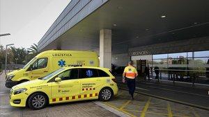 Muere el conductor de un turismo al chocar contra un camión en Lleida