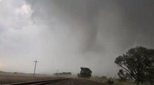 Vídeo: intercepta un tornado con drones y muestra cómo se vive desde dentro