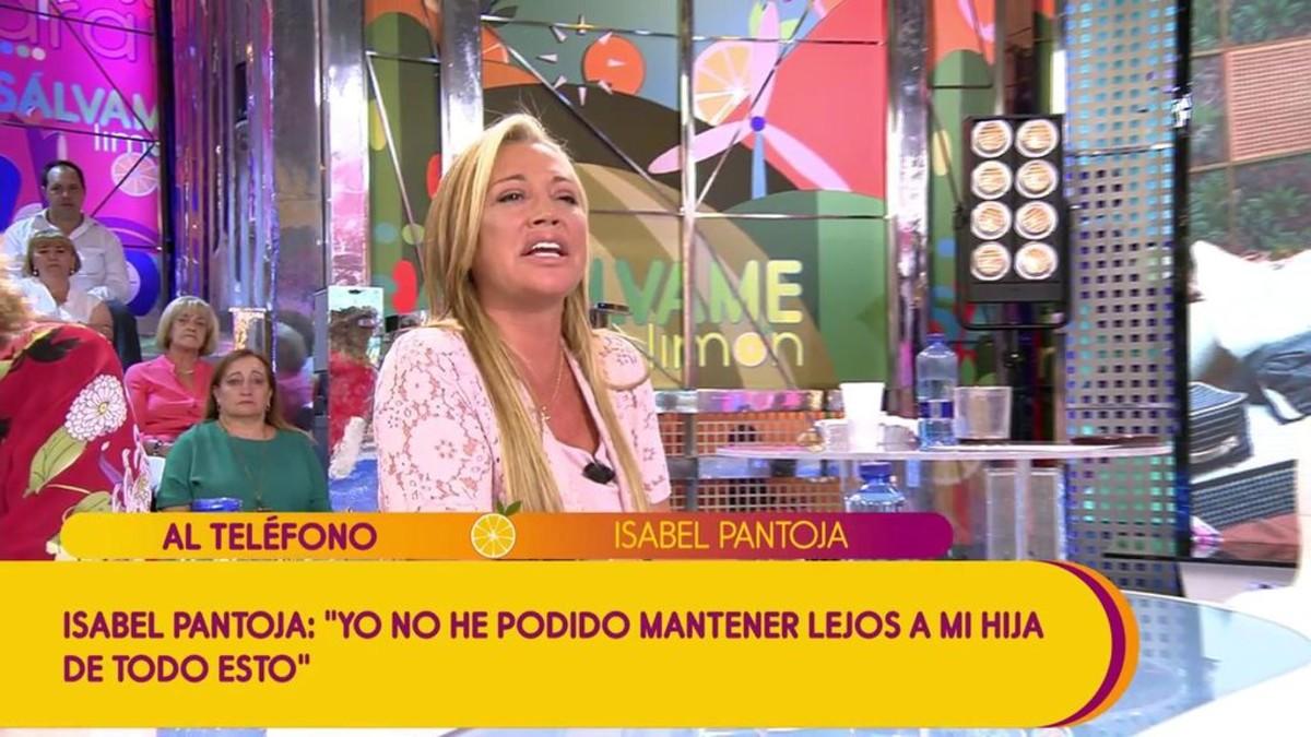 Belén Esteban hablando con Isabel Pantoja en 'Sálvame'.