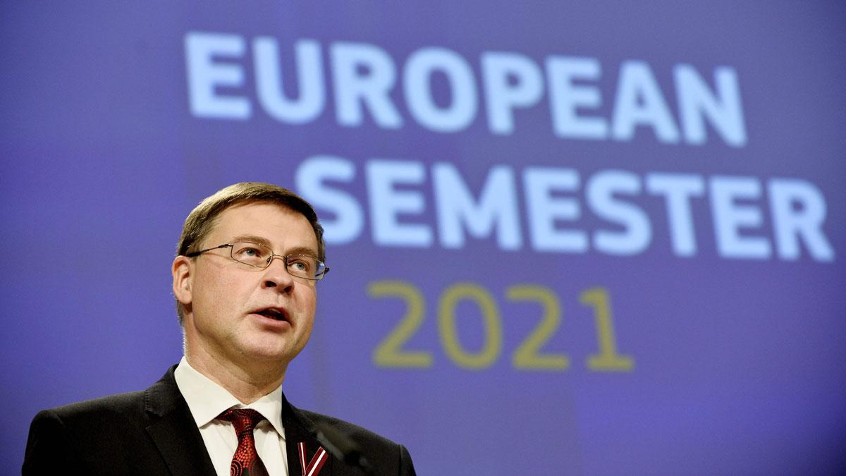 Bruselas da un aprobado general a los presupuestos de todos los países. En la foto, elvicepresidente de la Comisión Europea, Valdis Dombrovskis.