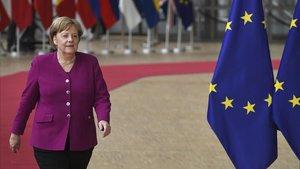 La cancillera alemana, Angela Merkel, a su llegada a la cumbre de Bruselas, este martes.