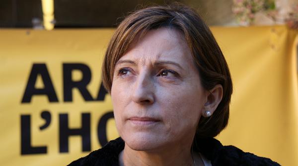 La presidenta de lANC, Carme Forcadell, ha explicat que el secretariat nacional de lAssemblea Nacional Catalana ha acceptat per unanimitat la pregunta de la consulta.