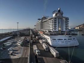 El crucero MSC Seaside, atracado en el puerto de Barcelona.