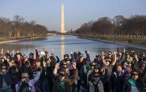 Mujeres realizan en WashingtonUn violador en tu camino.