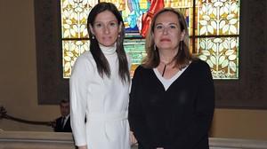 Elena Gómez del Pozuelo (derecha), fundadora de Womenalia y Bebedeparis, y Machi Martín, socia del Círculo Ecuestre.