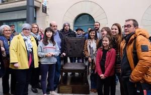 Escultura dedicada a Josep Abril, alcalde de Mataró.