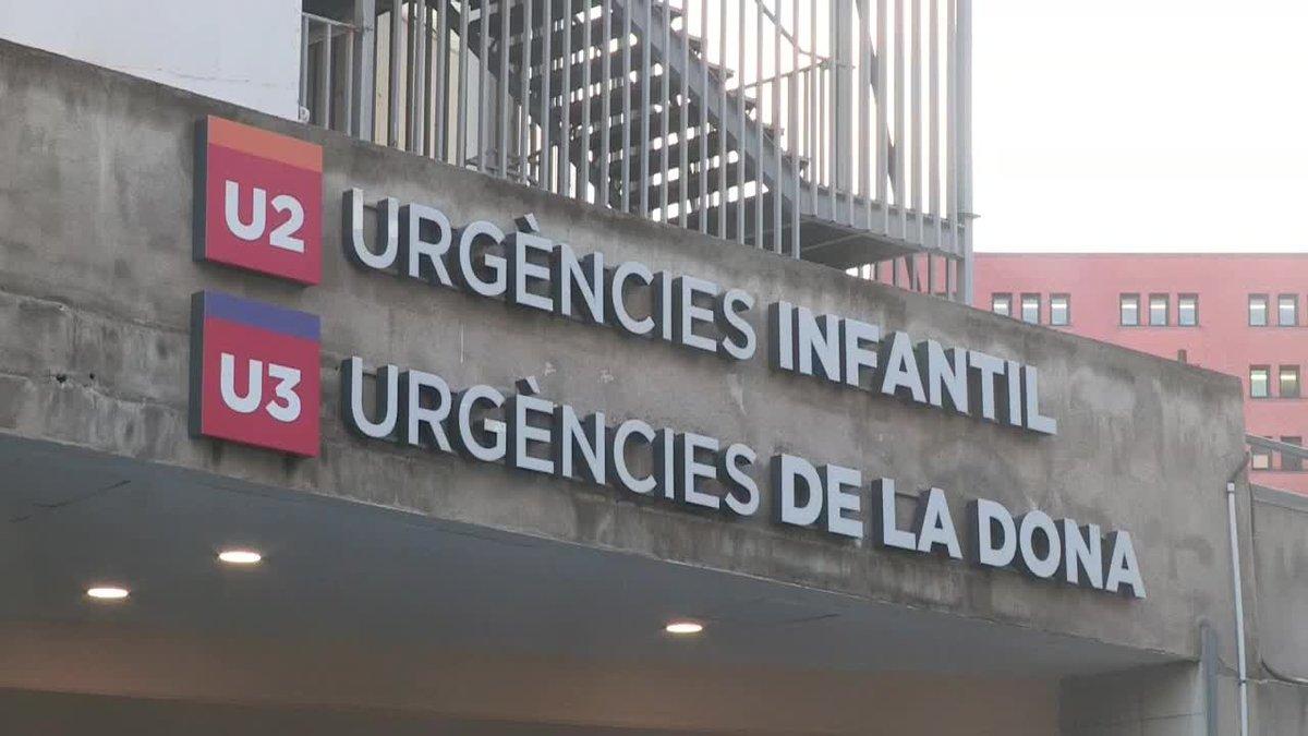 El bebé de Pineda de Mar presuntamente maltratado por su padre ha fallecido hoy en la UCI del Hospital Vall dHebron de Barcelona a las 14,15 horas.