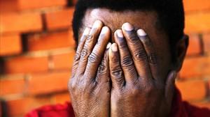 Més de set anys amb la petició d'asil 'congelada'