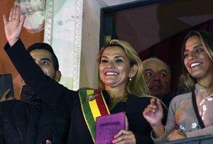 La presidenta de Bolívia confia tenir «relacions d'amistat i respecte mutu» amb Espanya