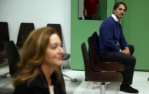 Oriol Pujol y Carina Mejías, antes de que empezara el juicio.