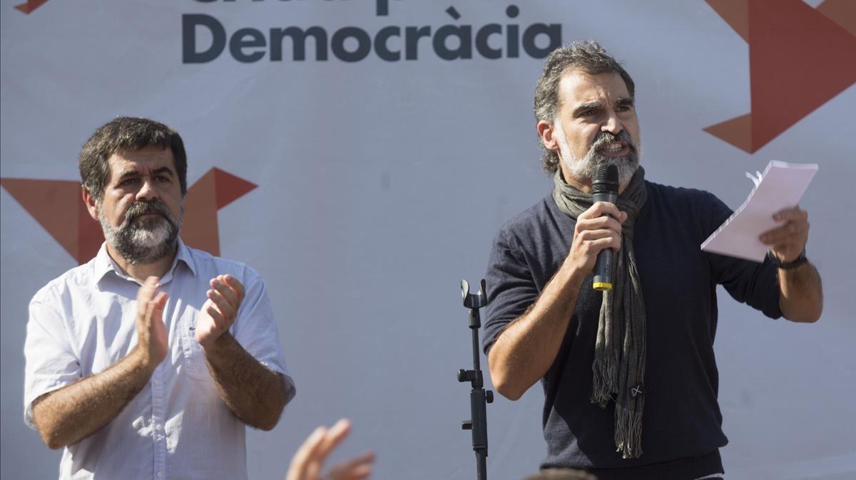 Jordi Sànchez y Jordi Cuixart, en una concentración el pasado 24 de septiembre en Barcelona.