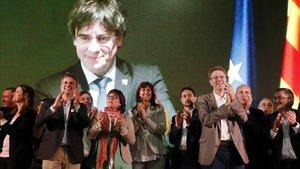 Los candidatos de JxCat a las elecciones generales y europeas, en un acto en Tarragona.