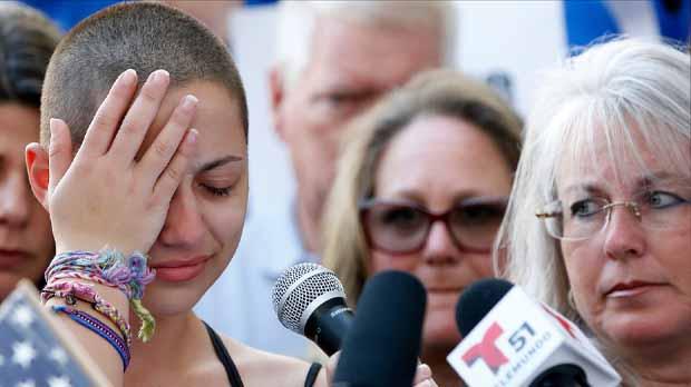 Emma González, la alumna superviviente del instituto de Parkland que ayer sacó las vergüenzas a Trump, preguntándose cuánto dinero recibe de la Asociación nacional del Rifle, quiere ahora verse las caras con el presidente.