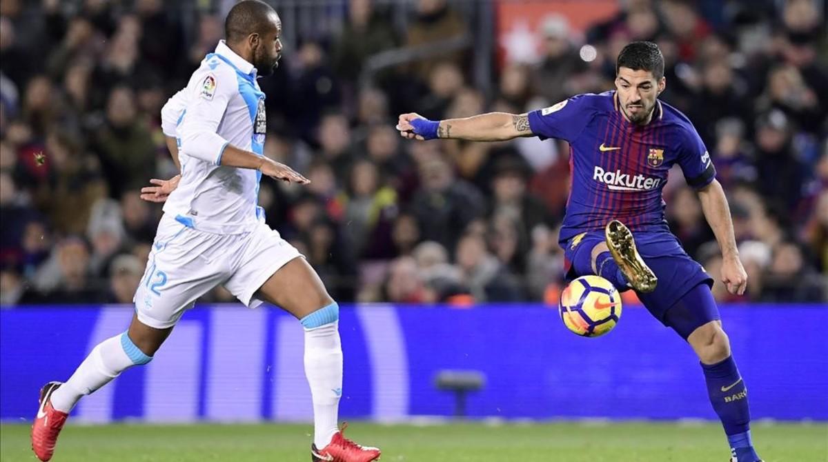 Luis Suárez ha marcado dos goles y le han birlado el tercero.