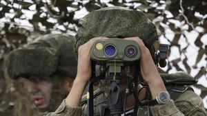 Dos soldados rusos durante las maniobrasVostok 2018, en Vladivostok, en las participaron tropas chinas la semana pasada.
