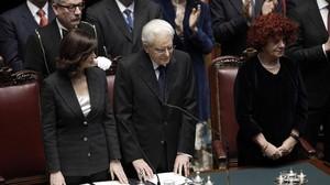 Mattarella, junto a la presidenta de la Cámara Baja, Laura Boldini.