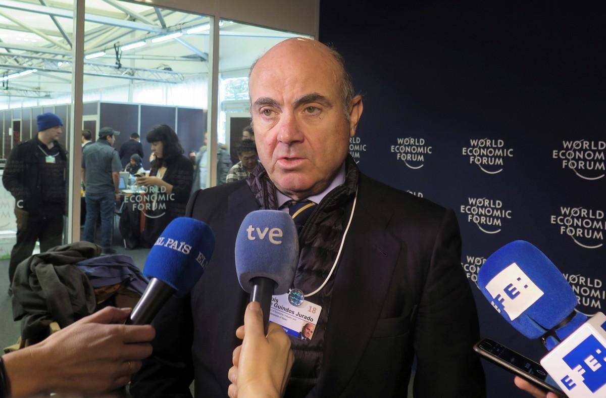 El ministro de Economía, Luis de Guindos, en el foro de Davos.