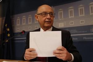 El ministro de Hacienda, Cristóbal Montoro, en rueda de prensa en el Ministerio de Hacienda, el 24 de noviembre.
