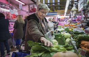 Las ventas del comercio minorista crecieronel0,3% respecto a diciembre,seis décimas por encima tras el retroceso del 0,6%.