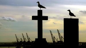 Amanecer en el cementerio de Montjuic