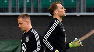 Neuer (derecha) y Ter Stegen, en un entrenamiento de la selección alemana.