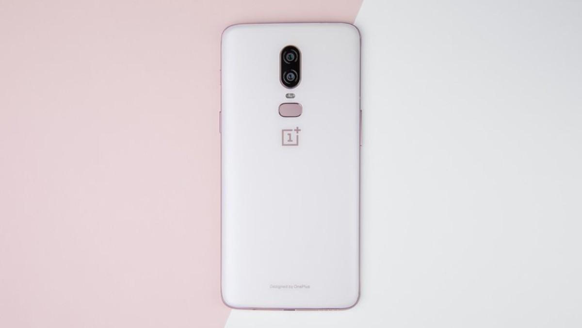 Nuevo OnePlus 6 en color blanco